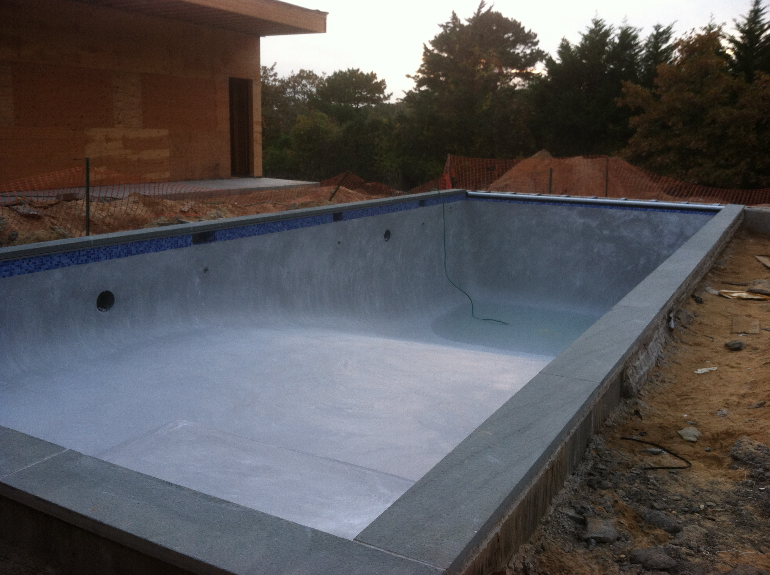 Gunite Pool With Automatic Safety Cover Southampton
