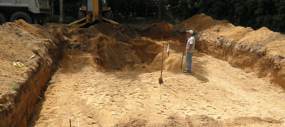 Excavation for vinyl lined swimming pool