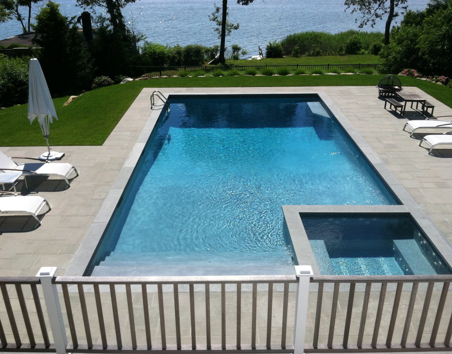 Pool Overflow Spa Amp Stone Patio In Wainscott Patricks