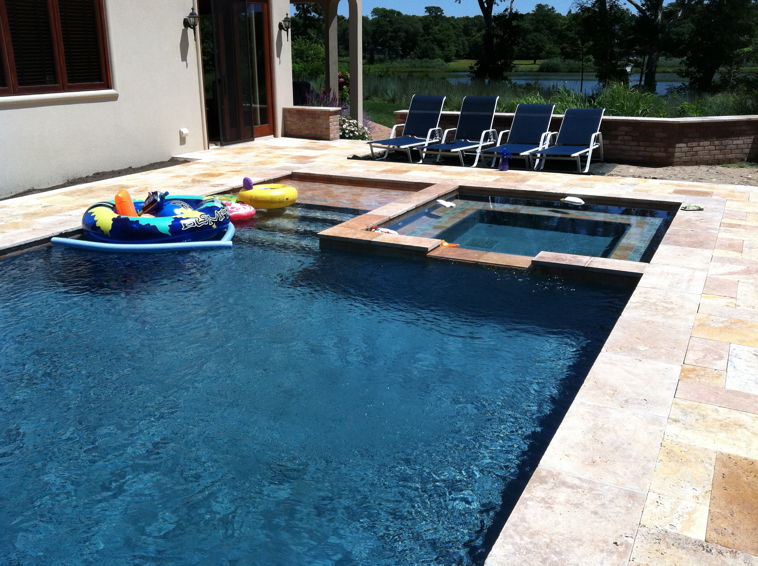 Gunite pool spa suffolk county long island patricks for Pool and spa contractors