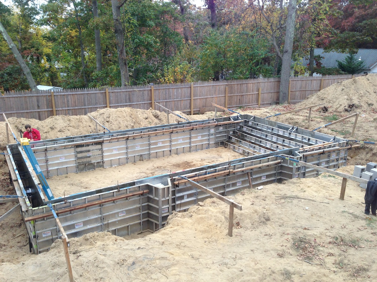 Long island pool bluestone patio installation step by for Pool installation